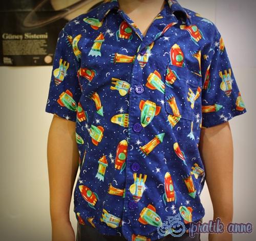Uzay meraklısı erkek çocuğu için gömlekler